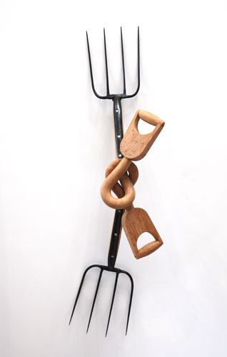 forknot V: sculpture by Bob Catchpole